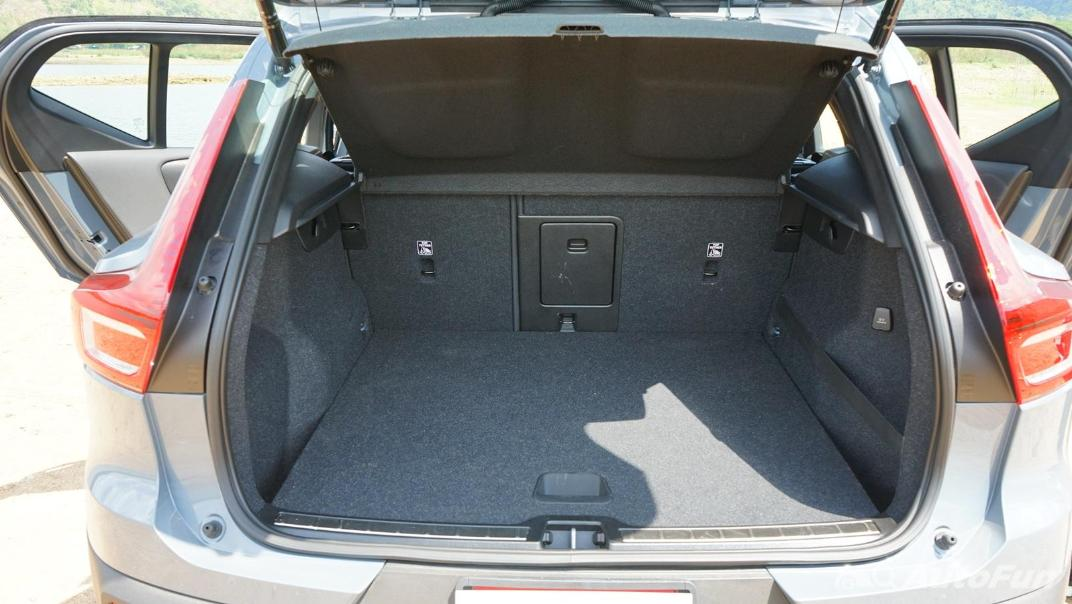 2020 Volvo XC 40 2.0 R-Design Interior 046