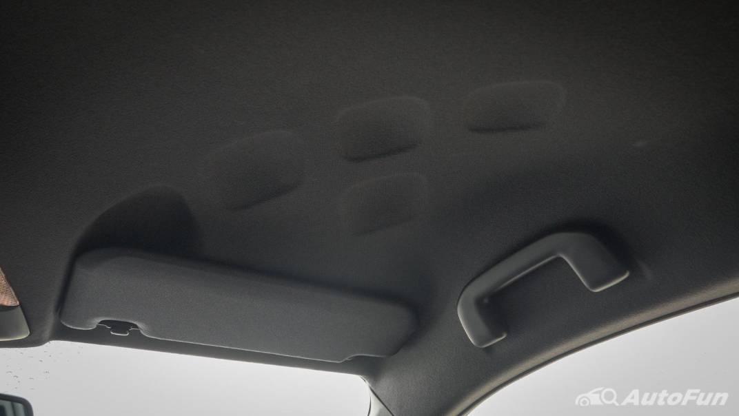 2021 Toyota C-HR Hybrid Premium Safety Interior 074