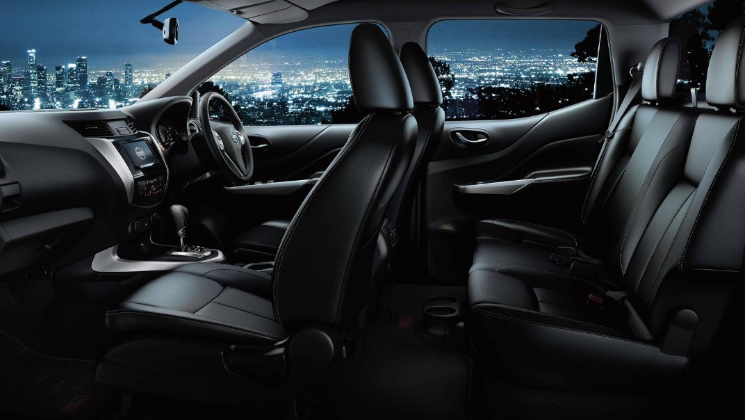 Nissan Navara 2020 Interior 002
