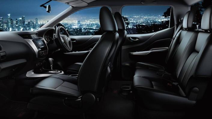 Nissan Navara Public 2020 Interior 002
