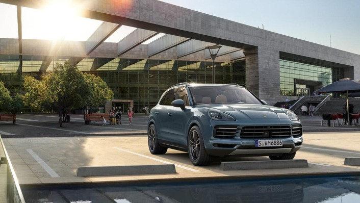 Porsche Cayenne Public 2020 Exterior 002