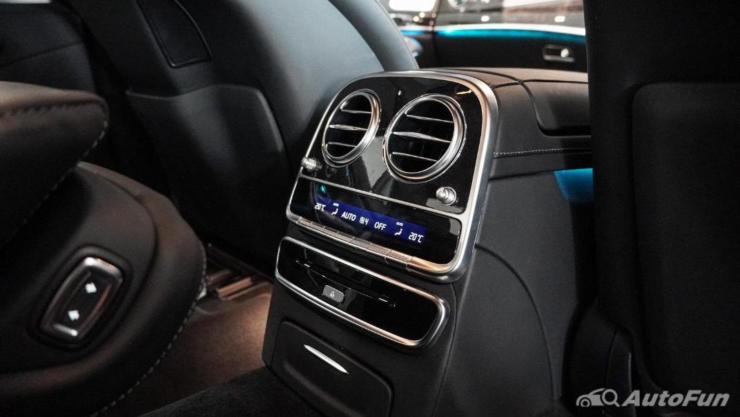 Mercedes-Benz S-Class S 560 e AMG Premium Interior 052