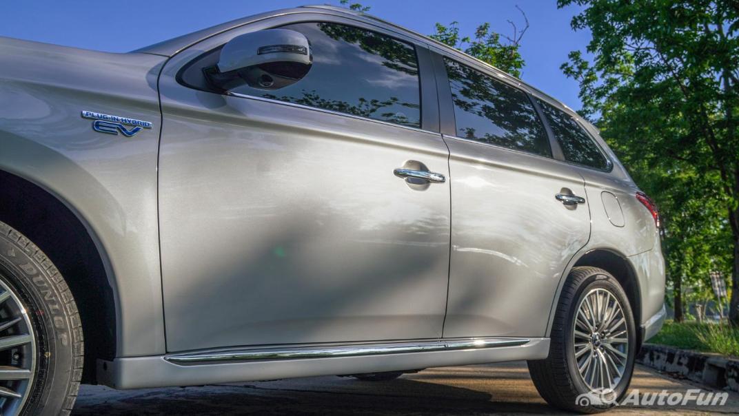 2021 Mitsubishi Outlander PHEV GT-Premium Exterior 021