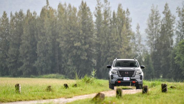 2021 Nissan Navara PRO-4X Exterior 006
