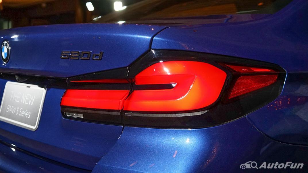 2021 BMW 5 Series Sedan 520d M Sport Exterior 012