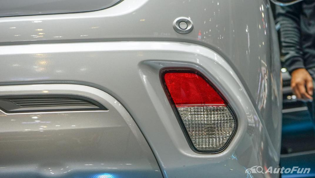 2021 Mitsubishi Outlander PHEV GT Exterior 012