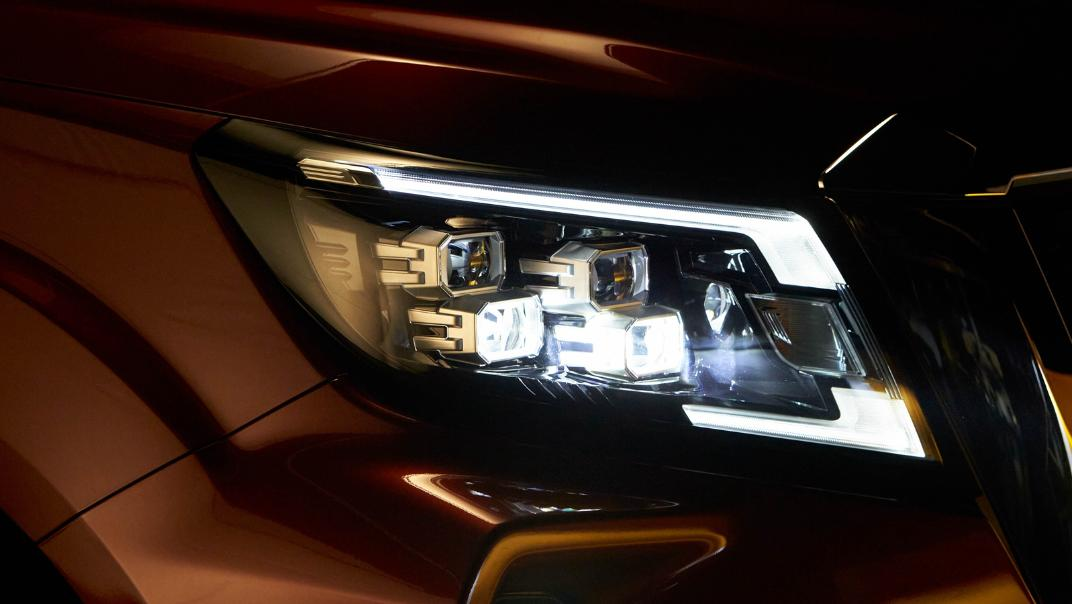 2021 Nissan Navara Double Cab 2.3 4WD VL 7AT Exterior 082