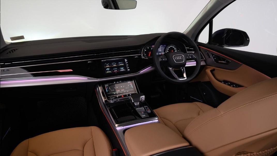 Audi Q7 2020 Interior 003