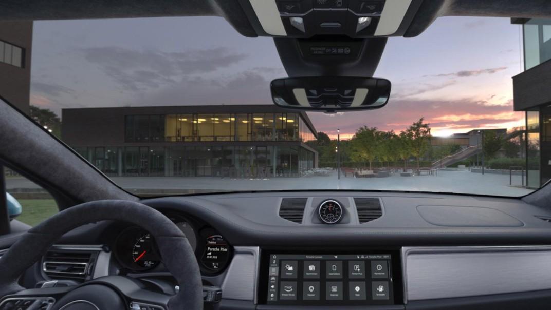 Porsche Macan Public 2020 Interior 002