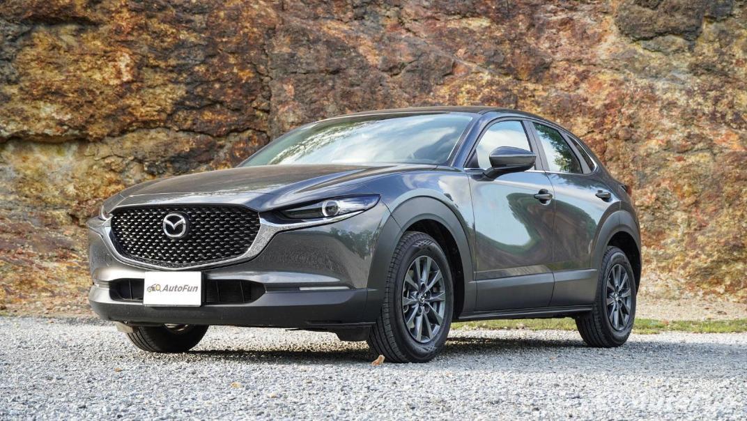 2020 Mazda CX-30 2.0 C Exterior 001