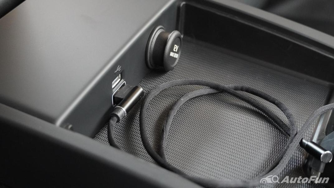2021 Volvo S90 Recharge Interior 017