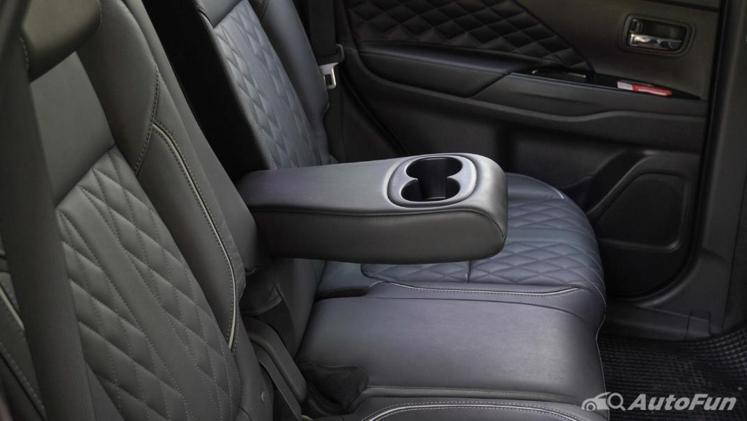 2021 Mitsubishi Outlander PHEV GT-Premium Interior 041
