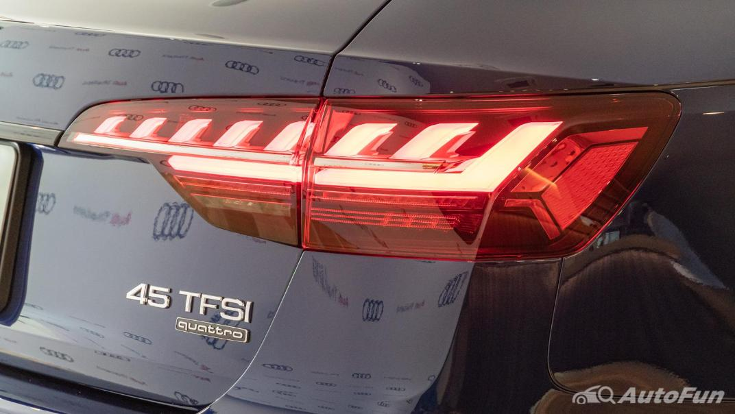 2020 Audi A4 Avant 2.0 45 TFSI Quattro S Line Black Edition Exterior 098