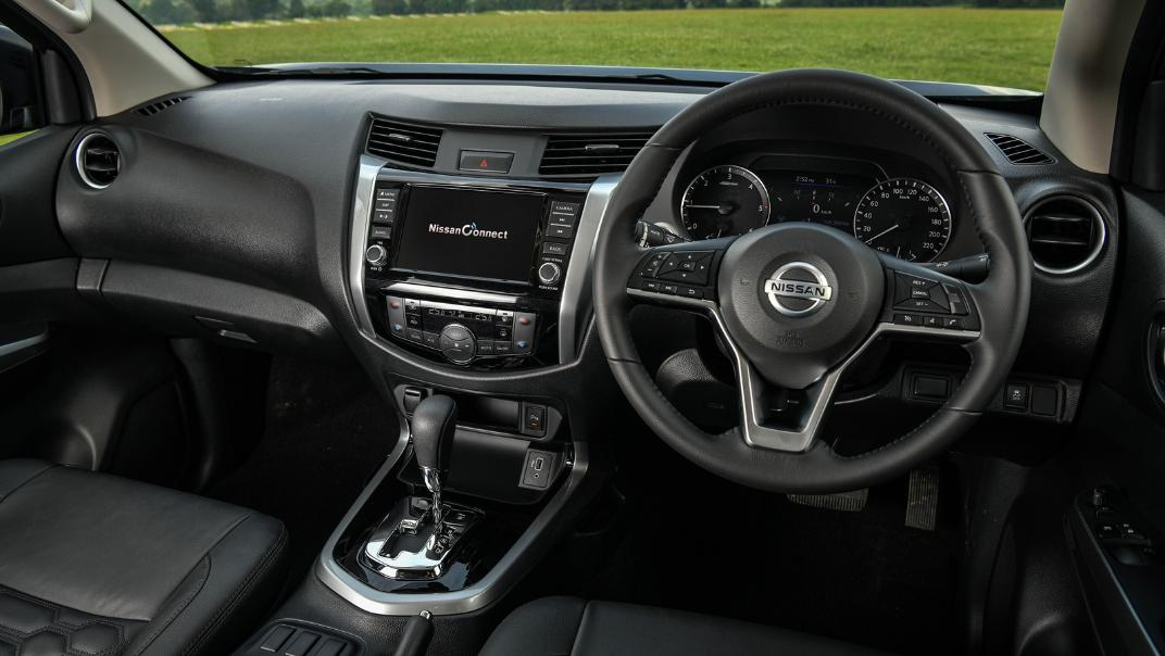 Nissan Navara 2021 Interior 023