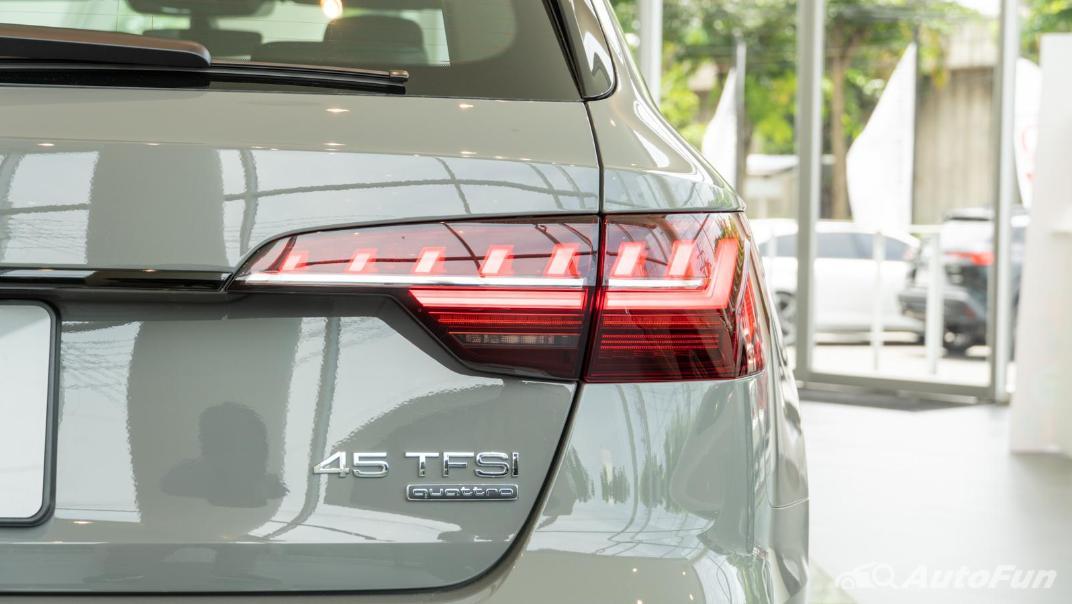 2020 Audi A4 Avant 2.0 45 TFSI Quattro S Line Black Edition Exterior 074