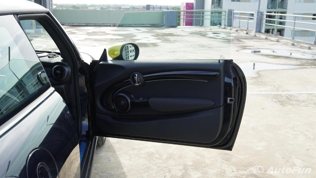 2021 MNI 3-Door Hatch Cooper S Interior 054