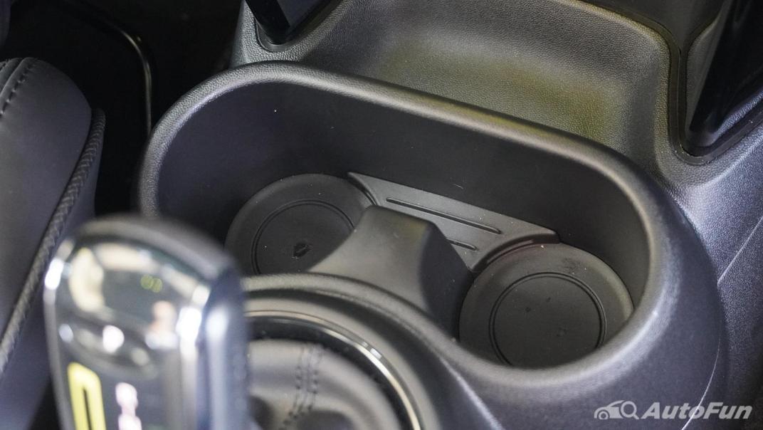 2021 MNI 3-Door Hatch Cooper S Interior 024