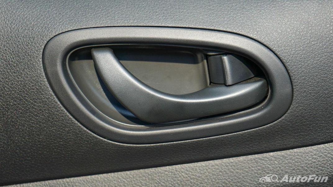 2021 Nissan Navara PRO-4X Interior 056