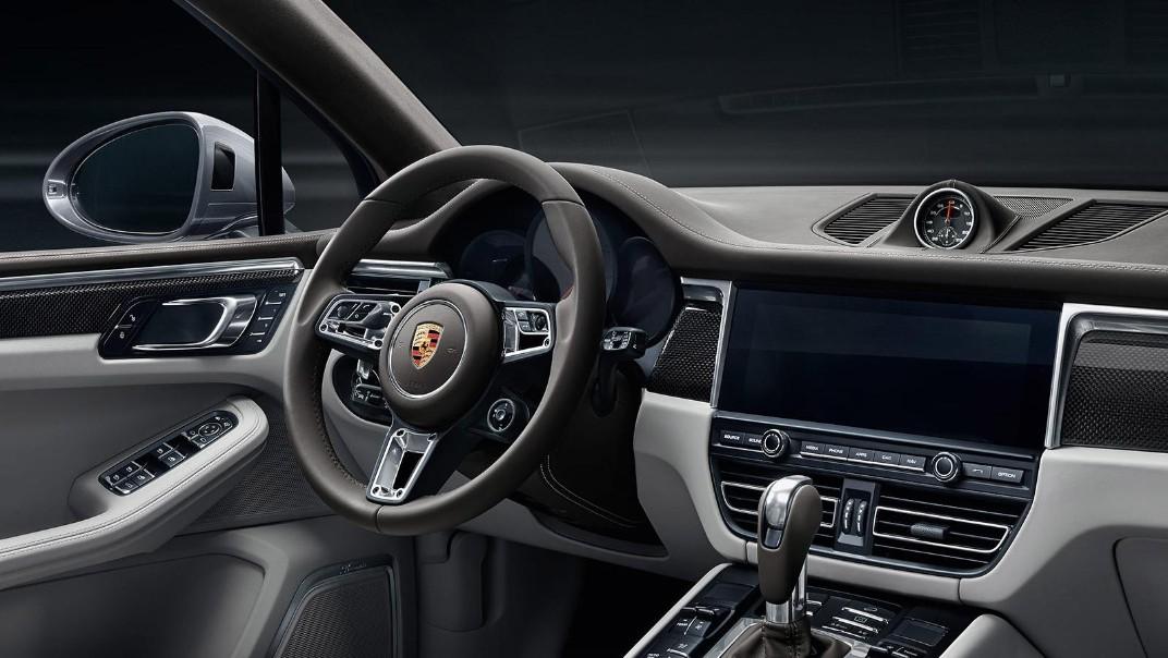 Porsche Macan Public 2020 Interior 003
