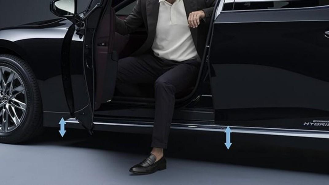 Lexus LS 2020 Exterior 013