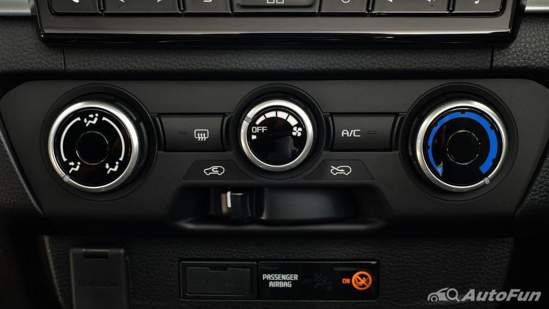 Mazda BT-50 Pro 2021 Interior 037