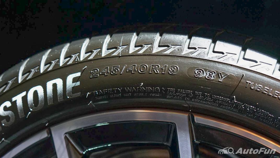 2021 BMW 5 Series Sedan 530e M Sport Exterior 023