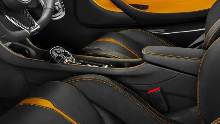 McLaren 540C 2020 Interior 002