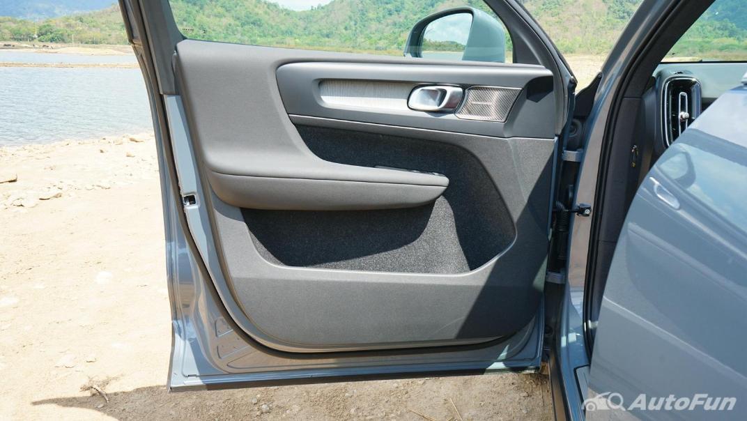 2020 Volvo XC 40 2.0 R-Design Interior 032