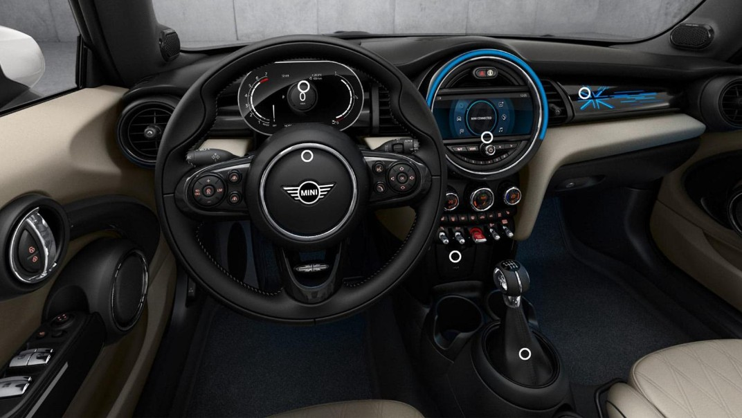Mini Convertible 2020 Interior 002