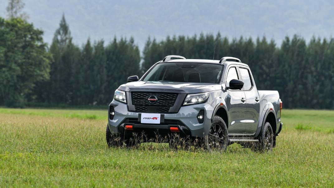 2021 Nissan Navara PRO-4X Exterior 061