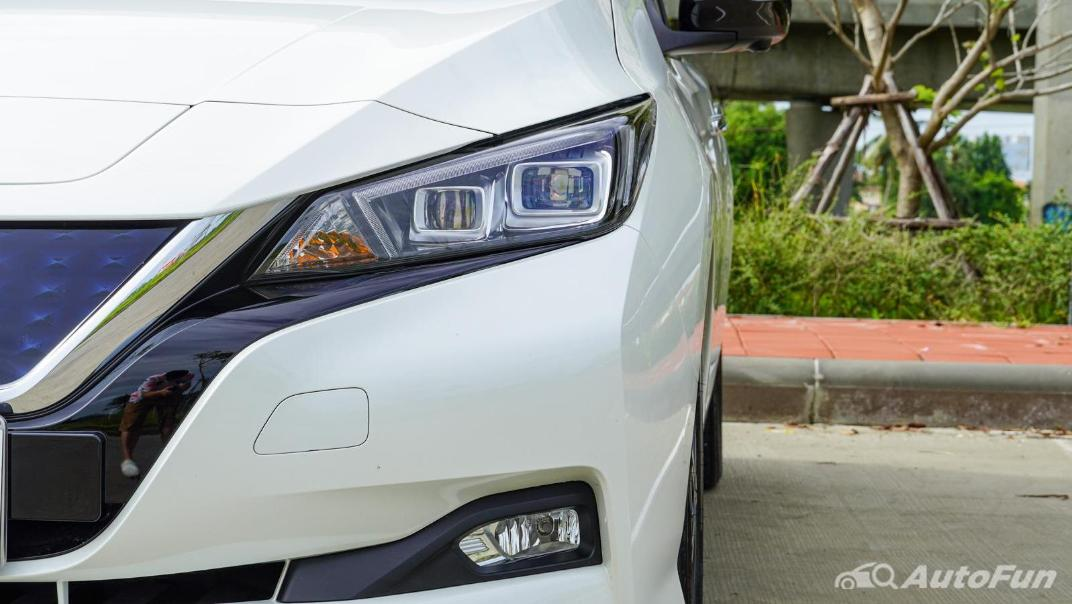 2020 Nissan Leaf Electric Exterior 012