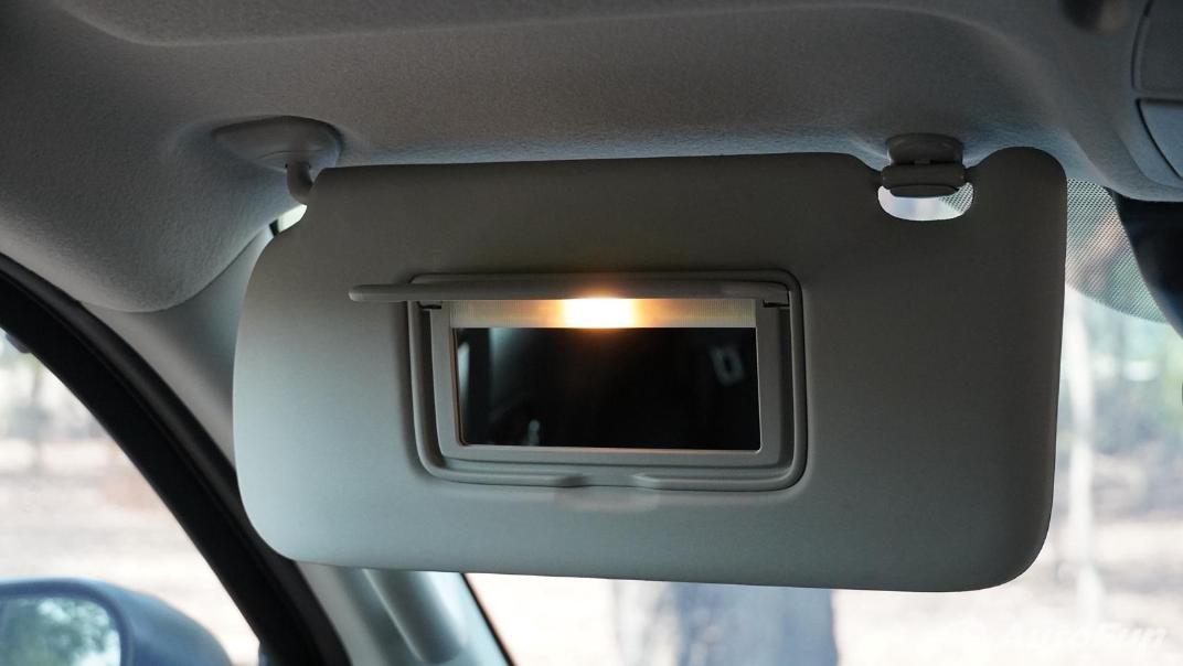 2021 Nissan Navara Double Cab 2.3 4WD VL 7AT Interior 054