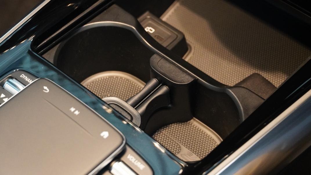 2021 Mercedes-Benz GLA-Class 200 AMG Dynamic Interior 015