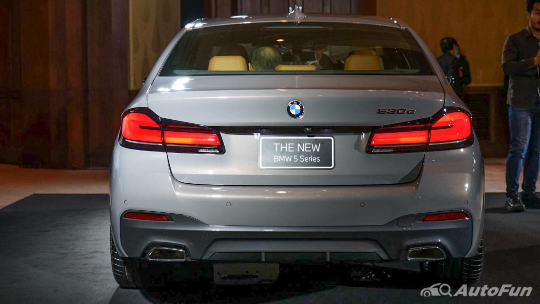 2021 BMW 5 Series Sedan 530e M Sport Exterior 005
