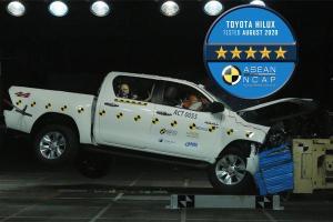 ชมการทดสอบ 2020 Toyota Hilux Revo และ Fortuner คว้า 5 ดาวมาตรฐานความปลอดภัย