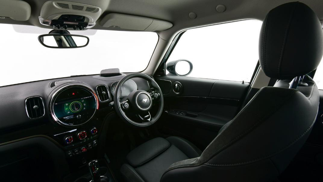 2021 Mini Countryman Interior 003
