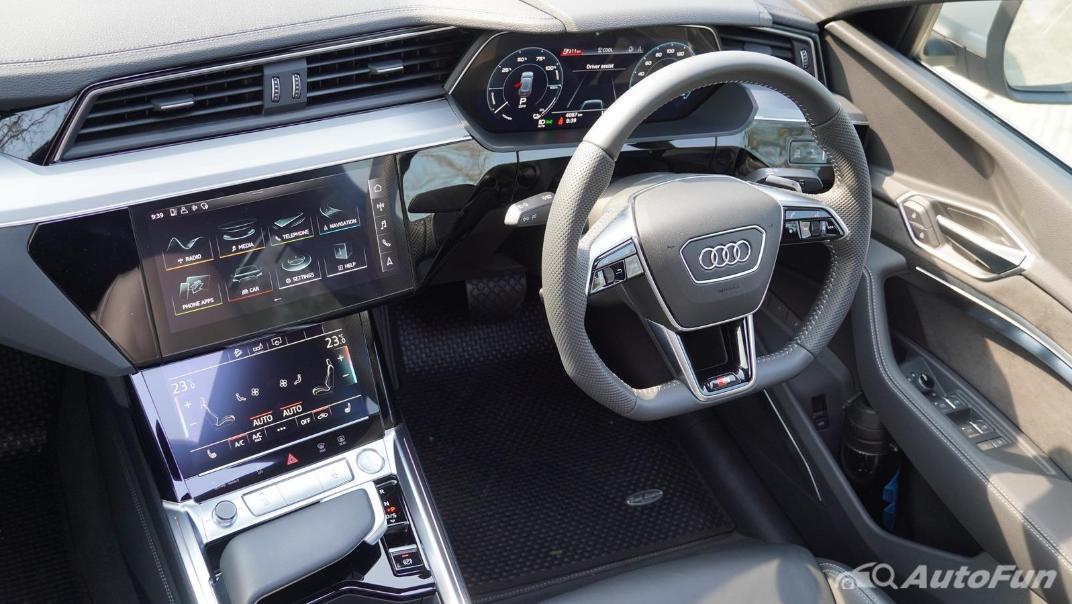 2020 Audi E Tron Sportback 55 quattro S line Interior 003