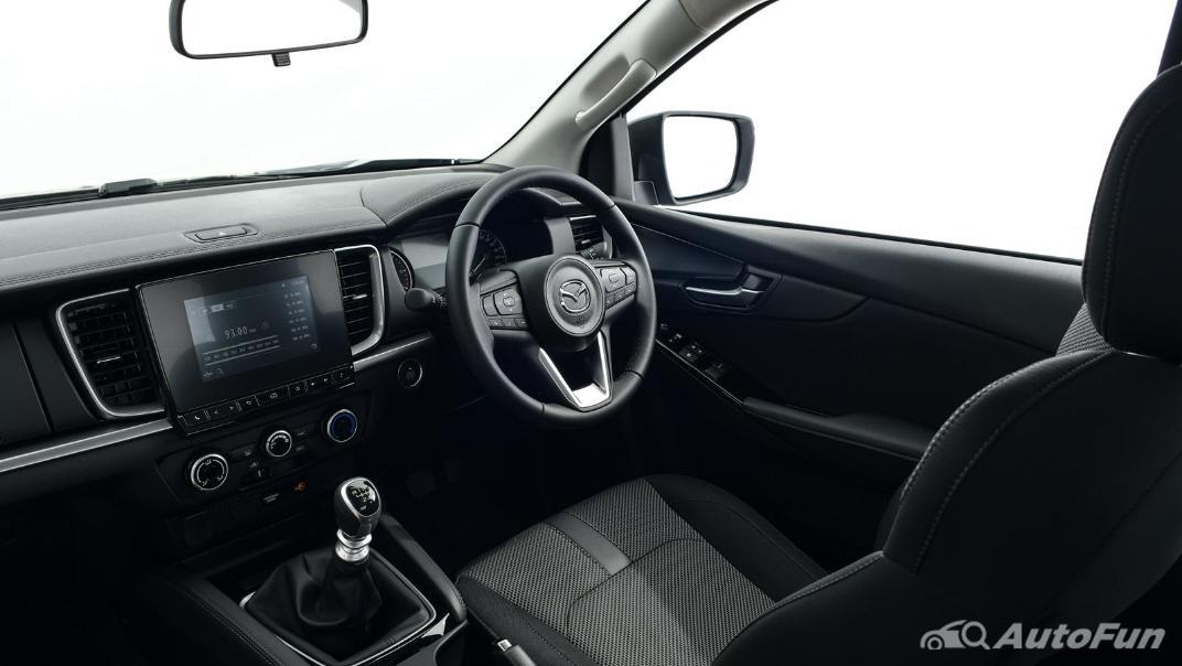 Mazda BT-50 Pro 2021 Interior 029