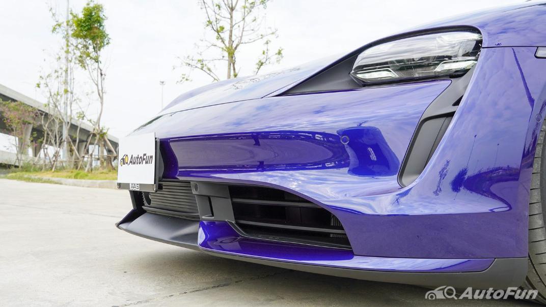 2020 Porsche Taycan Turbo Exterior 014