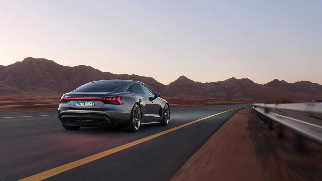 2021 Audi RS e-tron GT quattro Exterior 007
