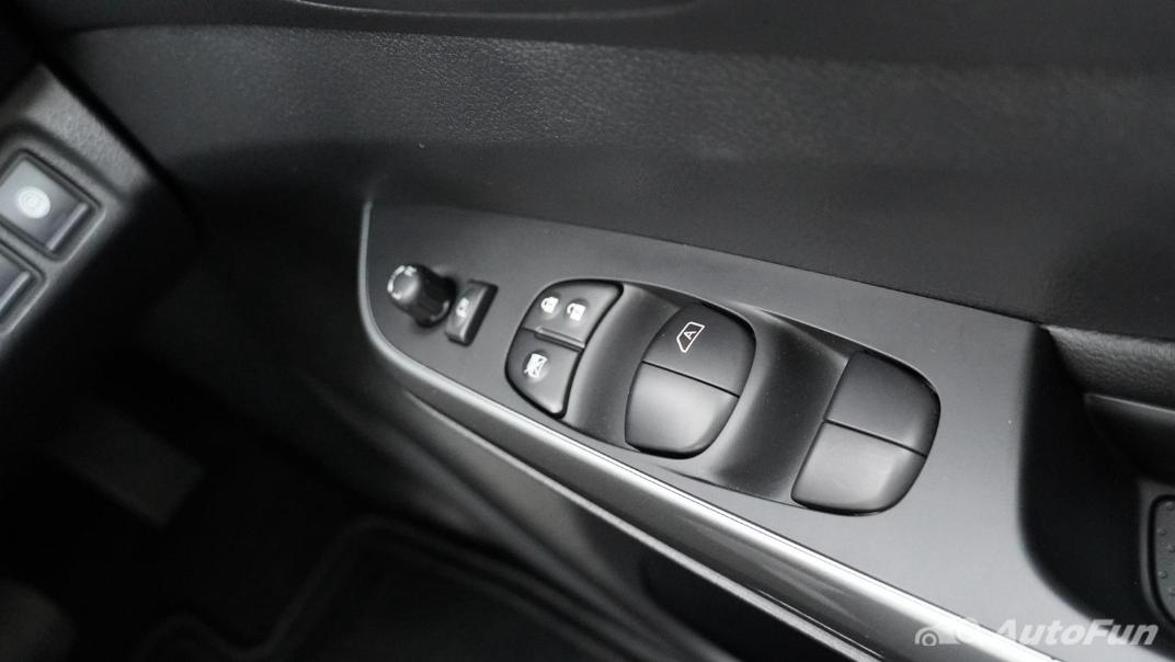 2021 Nissan Navara Double Cab 2.3 4WD VL 7AT Interior 033