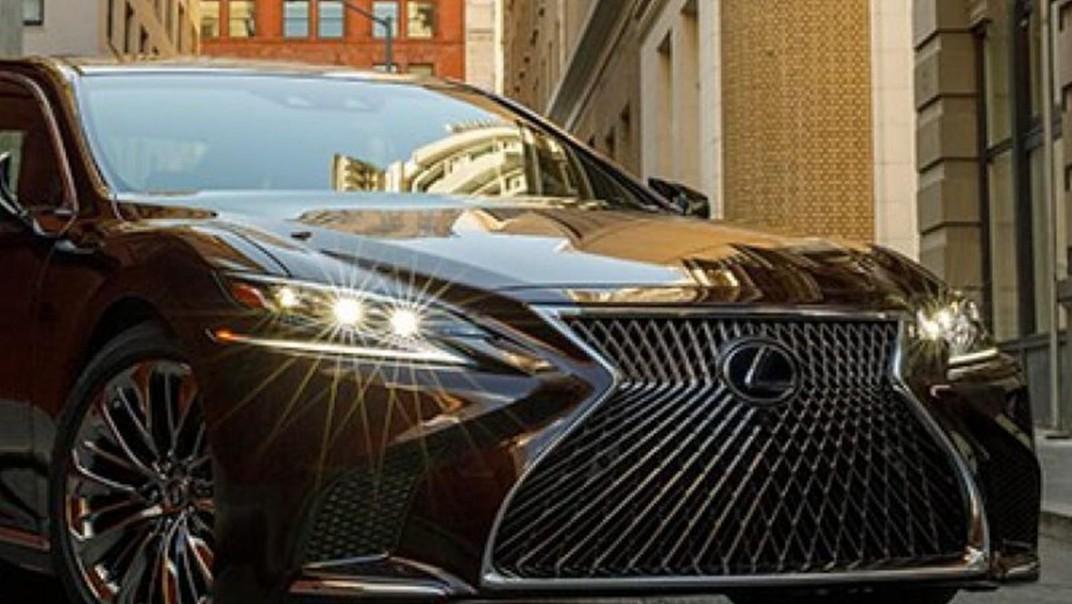 Lexus LS 2020 Exterior 008