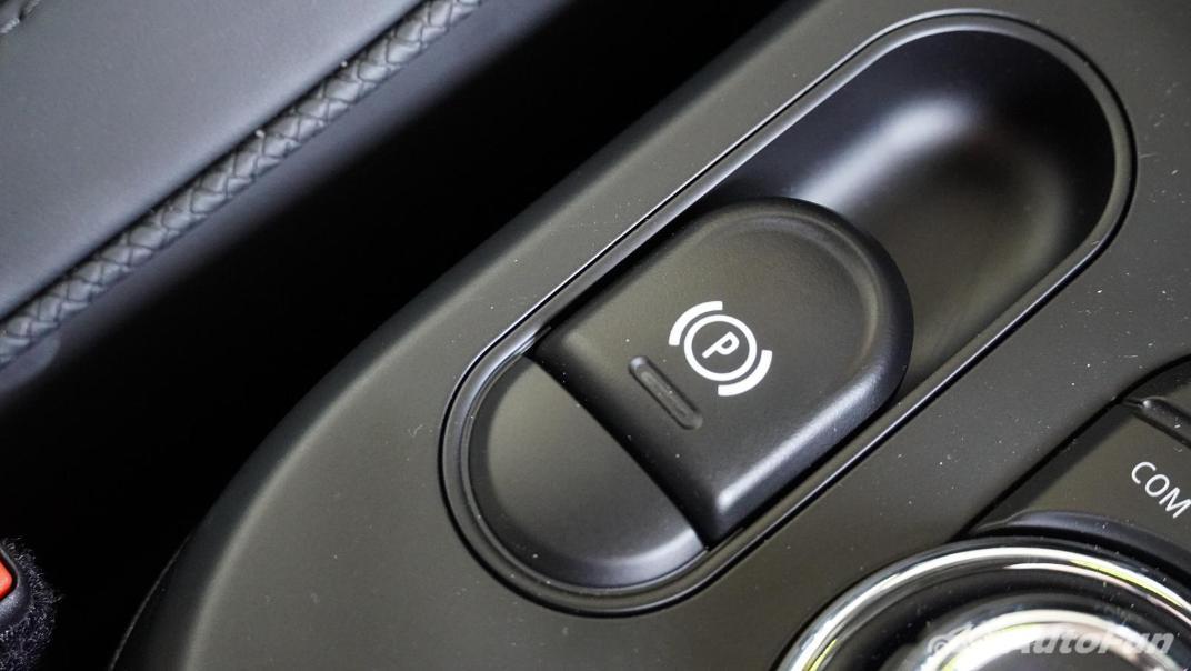 2021 MNI 3-Door Hatch Cooper S Interior 029