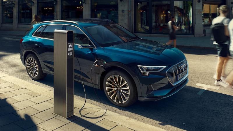 Review: 2019-2020 Audi e-tron เอสยูวีพรีเมียมพลังงานไฟฟ้า 02