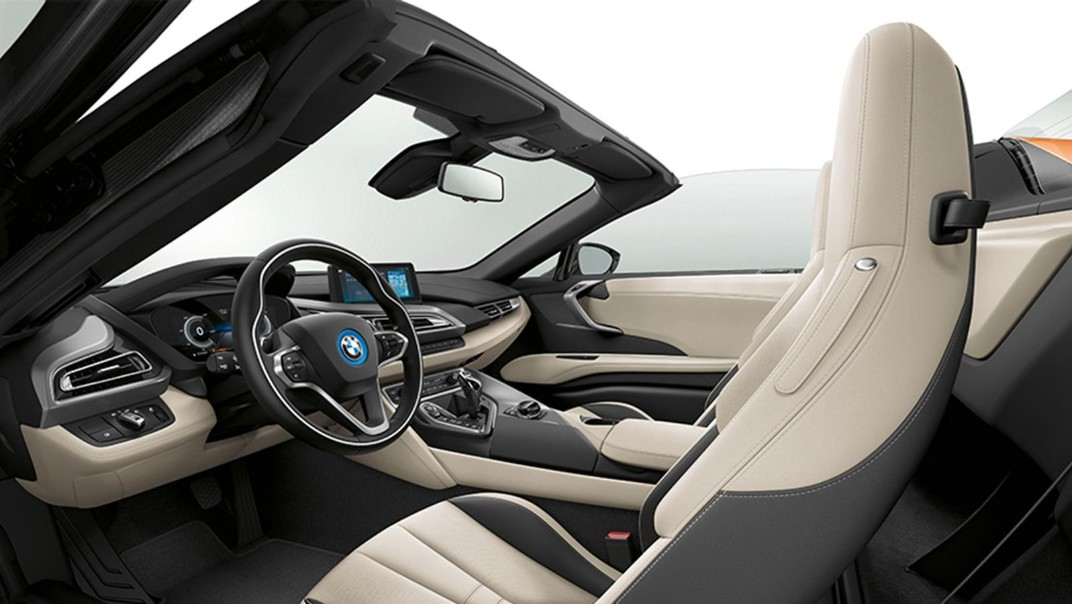 BMW I8-Roadster Public 2020 Interior 008