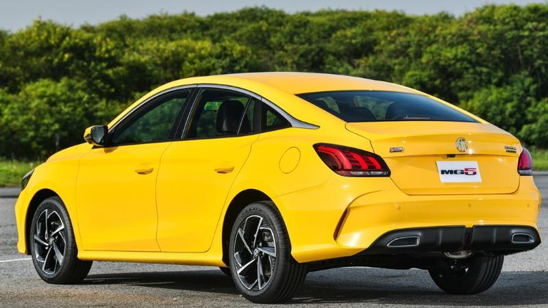 ในงบ 6 แสนบาท ซื้อรถใหม่ 2021 MG5 หรือมือสอง Honda Civic FC ดีกว่ากัน พบคำตอบชัดเจนที่นี่ 02