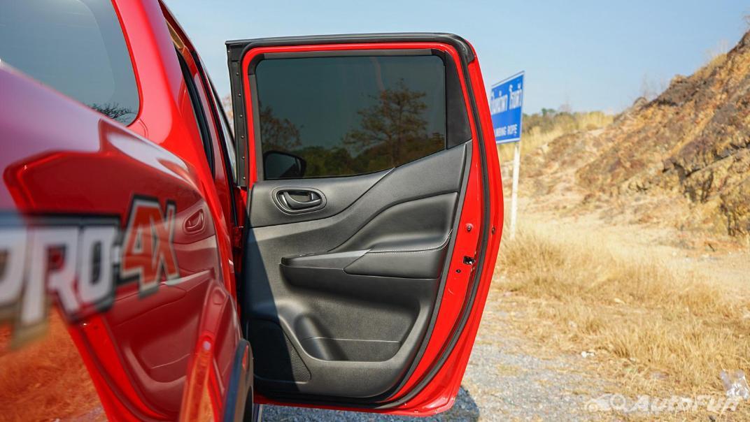 2021 Nissan Navara PRO-4X Interior 057