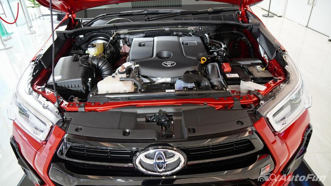 2021 Toyota Hilux Revo Double Cab 4x2 2.8 GR Sport AT Others 001