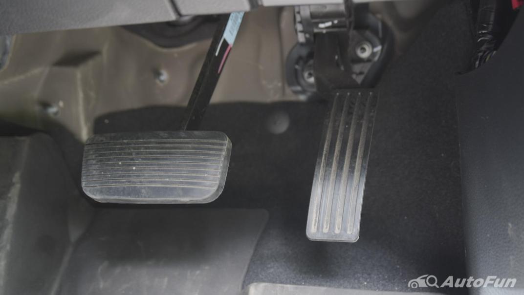 2021 Ford Everest 2.0L Turbo Titanium 4x2 10AT - SPORT Interior 015