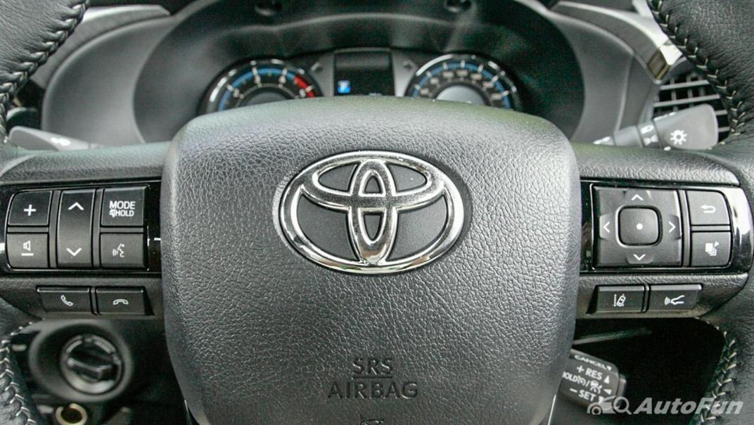 2020 Toyota Hilux Revo Double Cab 4x4 2.8High AT Interior 008